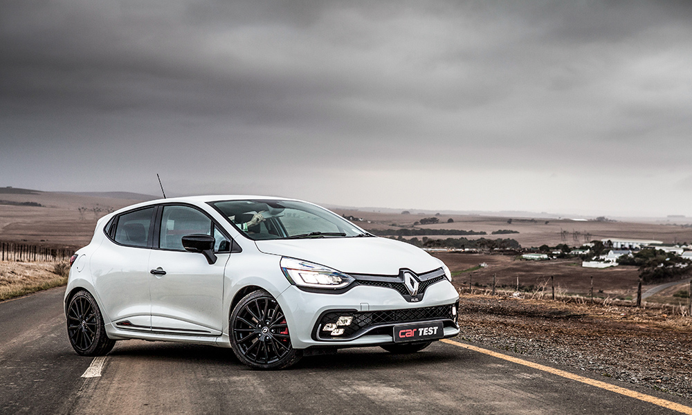 Car Review Renault Clio Rs 220 Trophy Edc Motors24